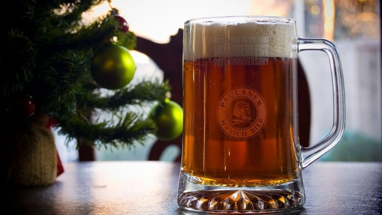 Christmas Beer.Serving Beer At Christmas Dinner Here Are Some Tips Cbc News