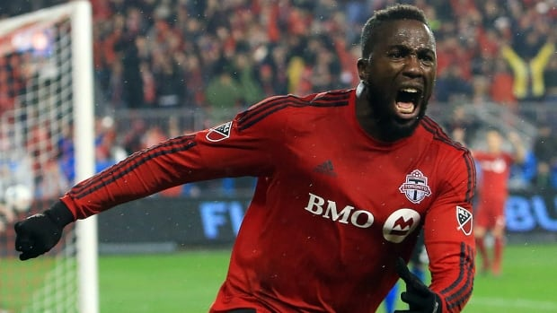 Toronto FC forward Jozy Altidore is this year's recipient of the U.S. player of the year award. Altidore, who also won the award in 2013, received 52 first-place votes and 223 points in voting by 136 media conducted by Futbol de Primera.