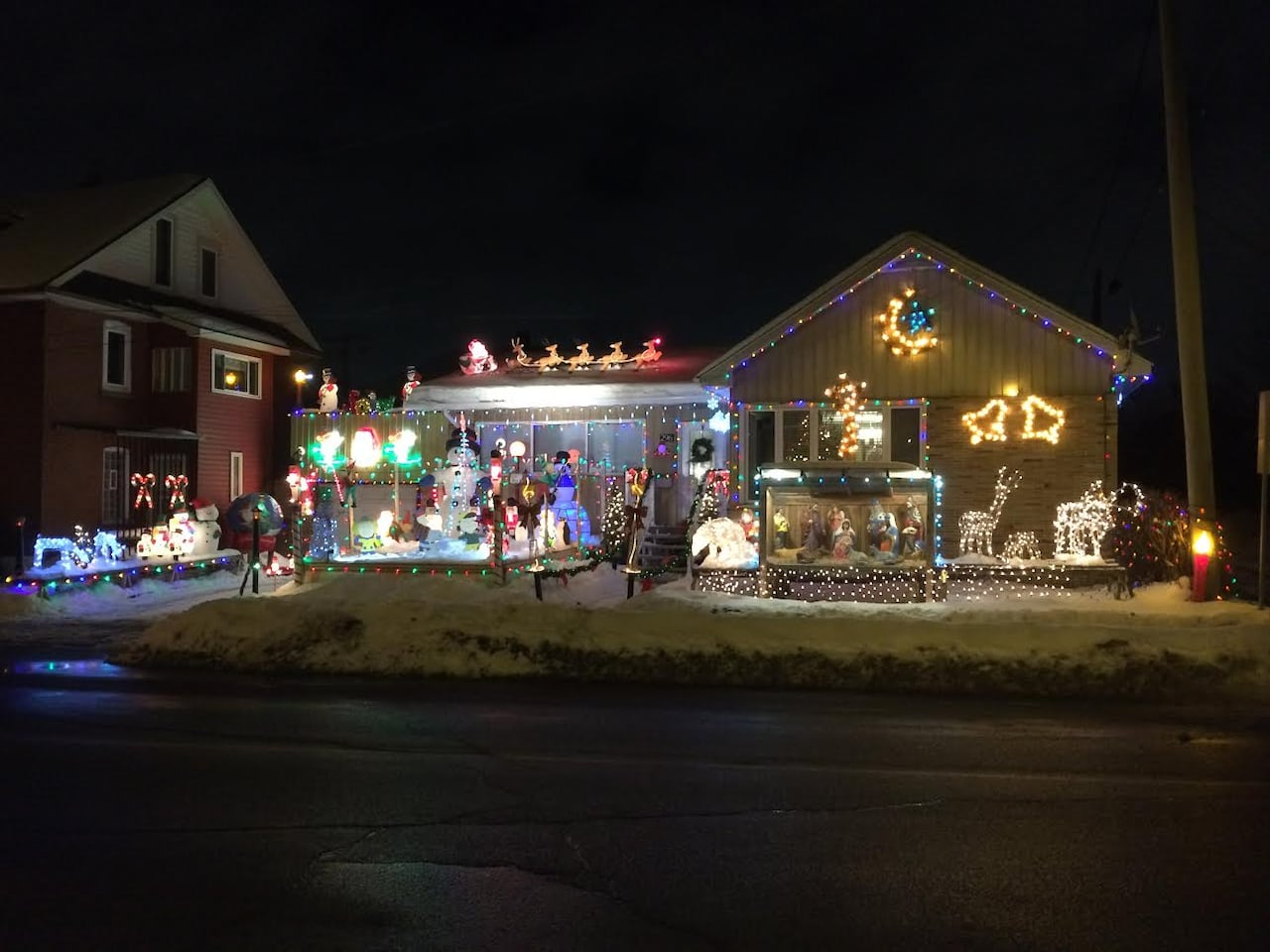 How Much Electricity Do Christmas Lights Use.Vibrant Christmas Light Display Not Too Costly For This