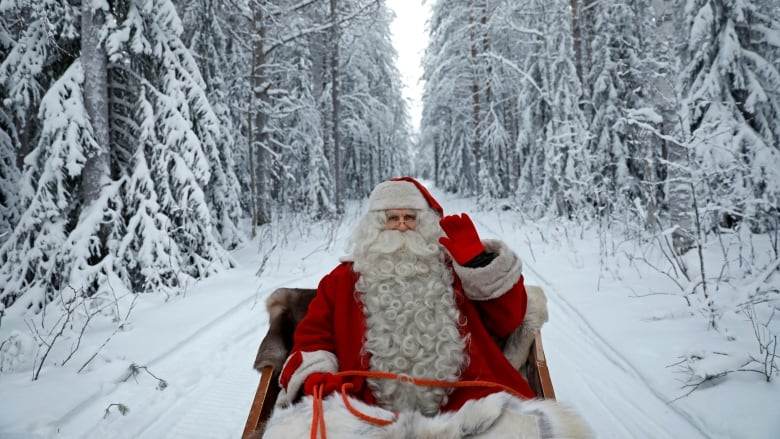 Norad Santa tracker follows Kris Kringle's sleigh as he delivers gifts around the world