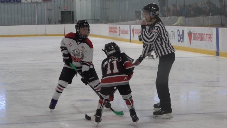Minor Hockey Teams Descend On Ottawa For Bell Capital Cup Cbc News
