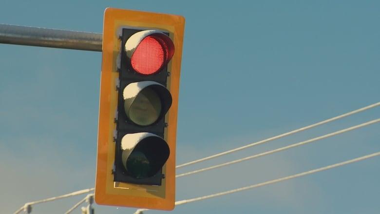 Charlottetown piloting new plan for late-night traffic lights