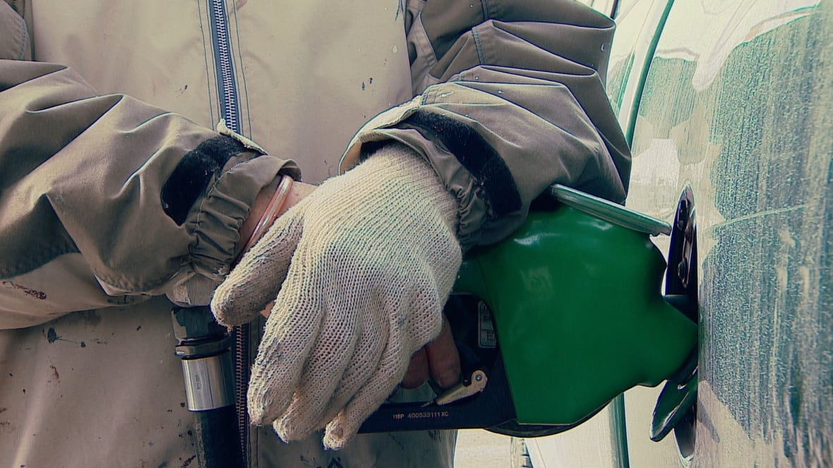 Alberta inflation rate spikes as carbon tax helps drive up gas prices