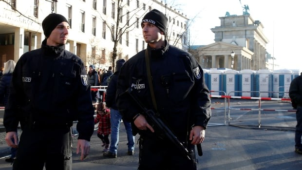 Berlin to Strengthen Police on New Year's Eve 'to Prevent Negative Scenarios'