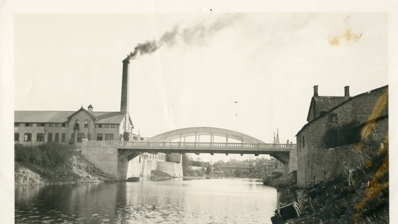Heritage advocate calls for return to historic bridge-building style