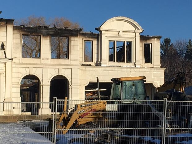 Toronto mansion under construction fire