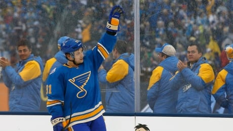 Tarasenko's Double Lifts Blues Over Blackhawks At Winter Classic