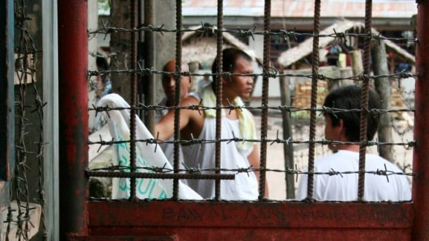 Philippines: More than 150 inmates escape in Kidapawan prison break