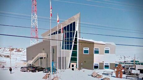 Iqaluit RCMP detachment - snow