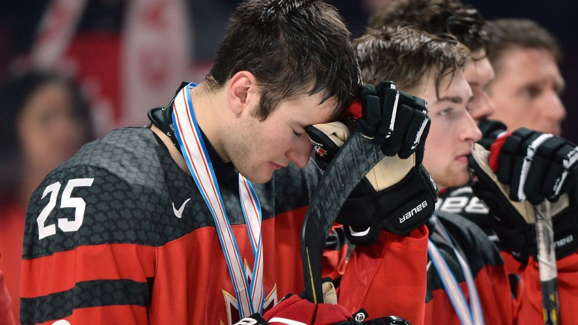 Heartbreak for Canada as U.S. wins junior gold in shootout