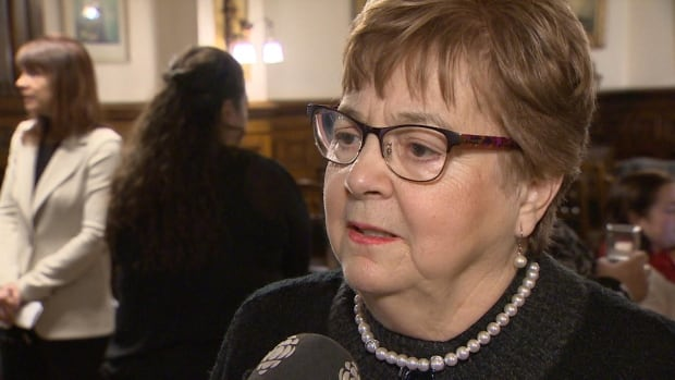 Former deputy premier Aldéa Landry has been chosen to investigate a conduct and service complaint against Fredericton police because she is bilingual and experienced, says Steve Roberge, CEO of the New Brunswick Police Commission.