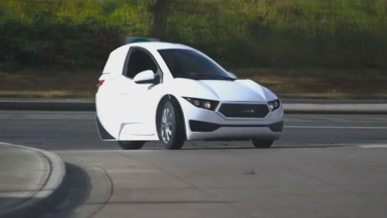 The Solo Designed By Electra Meccanica Is A Single Seat Electric Car That Runs On Three Wheels