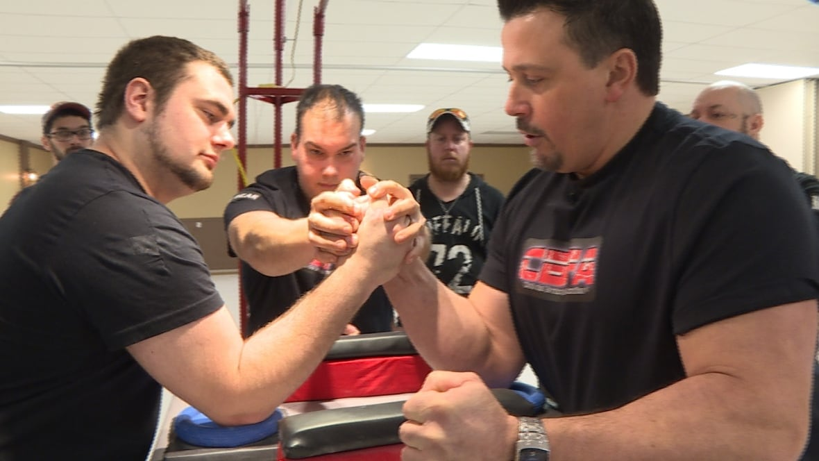 'Holy hell, he's strong!': Bras de Fer tournament flexes in Paquetville - CBC.ca