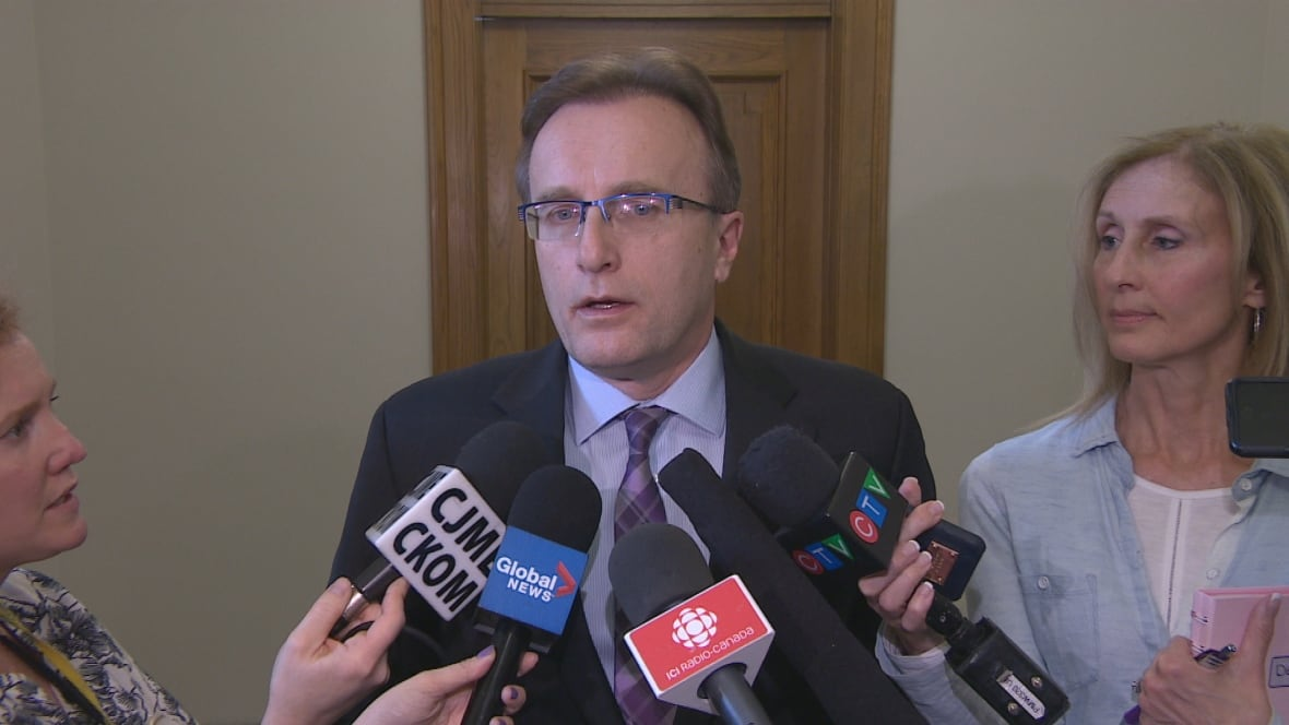 Feds give Sask. 1 year to make case for private MRIs