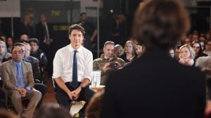 Justin Trudeau speaks only French at Sherbrooke town hall, despite English questions