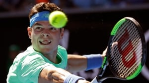 Milos Raonic overpowers Gilles Muller to reach 3rd round at Australian Open