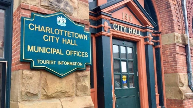 Charlottetown council votes to make way for apartments in