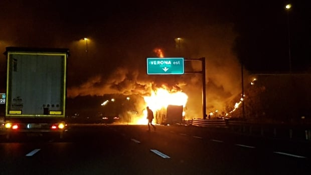 fiery bus crash kills 16 in italy many hungarian students apps. Black Bedroom Furniture Sets. Home Design Ideas
