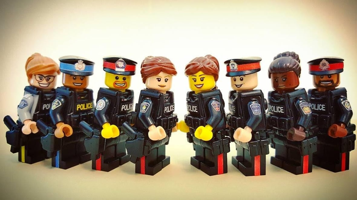 Toronto cops, paramedics, TTC staff get the Lego treatment