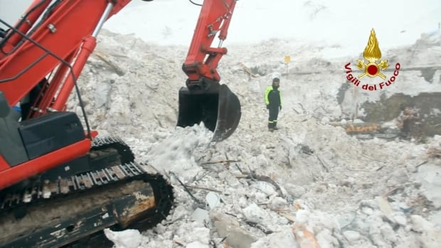 Rigopiano Hotel avalanche: Five bodies found, 15 still missing