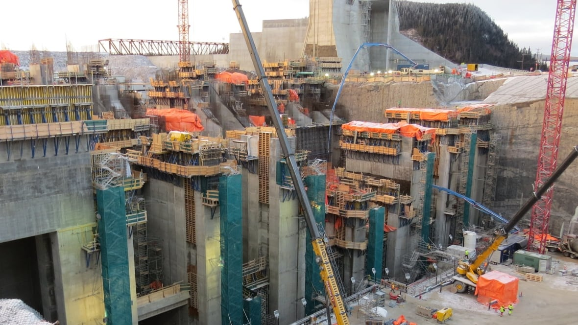 Muskrat Falls 'lowest cost alternative' says former Nalcor chair