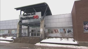 Quebec doctors use loophole to sidestep new law banning extra fees