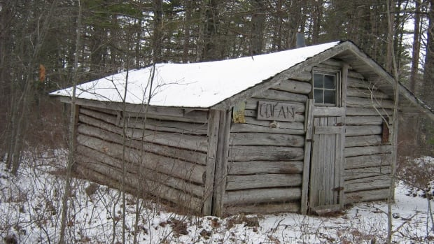 Cofan cabin's logs were rotting and its roof was sagging in 2013.