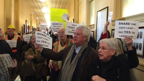 New Edinburgh residents protest CSST at Ottawa City hall