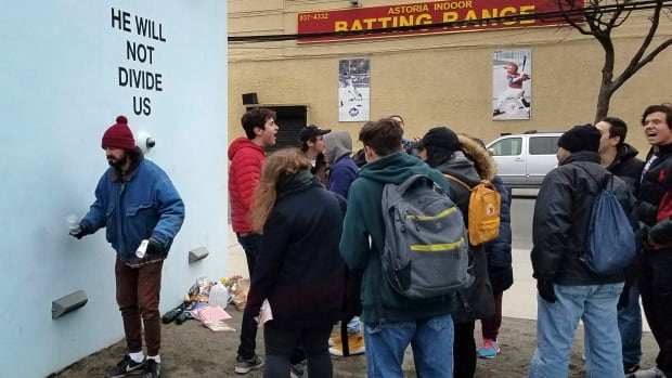 Actor Shia LaBeouf arrested on live stream outside NYC museum