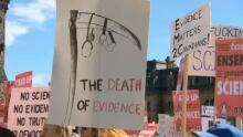 Ottawa scientists protest