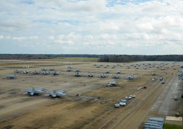 US Navy Super Hornets