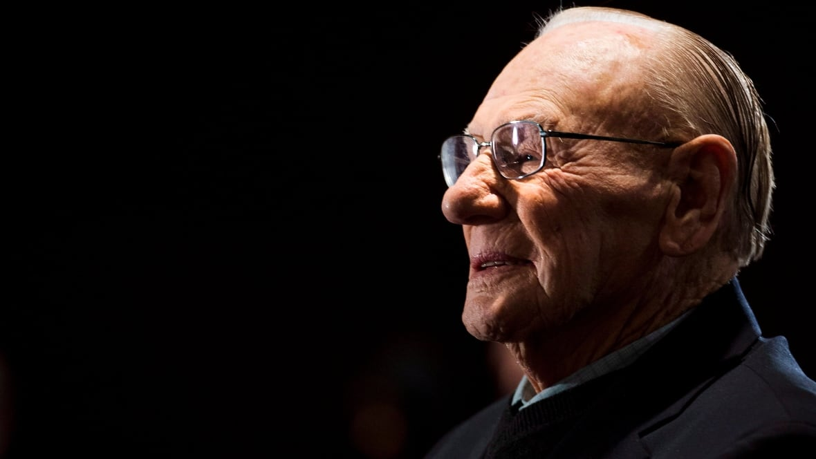 Canadian Hockey Hall of Famer Johnny Bower dies at 93, family says