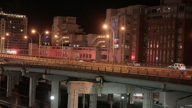 Gardiner Expressway : Male pedestrian after hit by car on eastbound gardiner