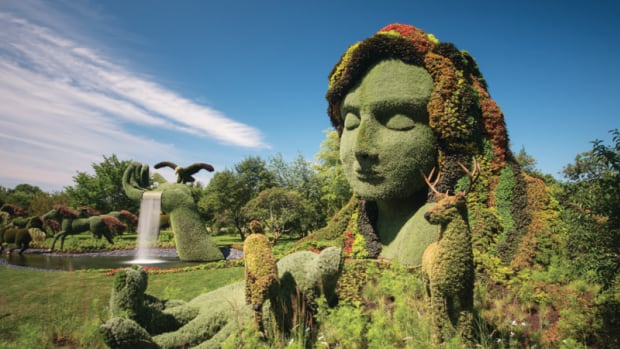 Gatineau city councillors will vote Tuesday on whether to extend the popular MosaïCanada horticultural exhibit into 2018.