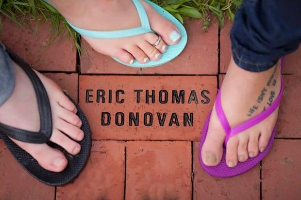 Lisa Donovan and children memorial brick