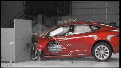 tesla-crash-test