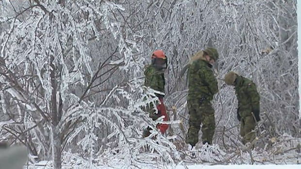 Ice storm, Shippagan, Canadian Armed Forces