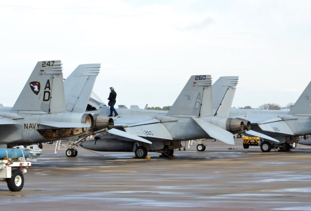 US Navy Flight Line crew on Super Hornets