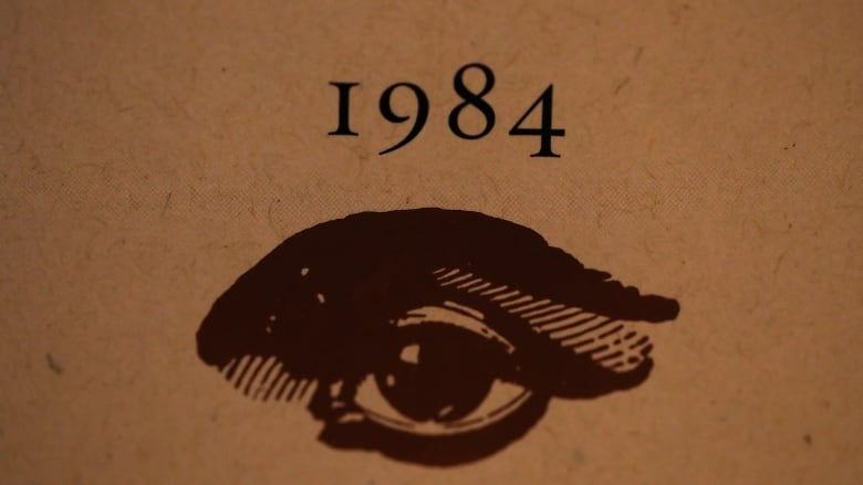 39 true-not-alternative facts about George Orwell's 1984