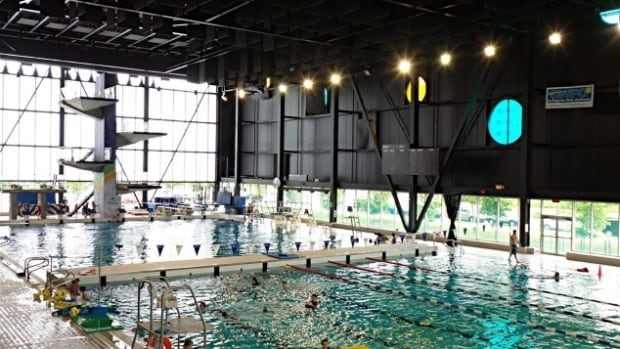 Gatineau closes centre sportif for asbestos repair for Centre sportif terrebonne piscine
