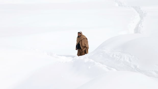 'At least 38' killed in Afghanistan avalanches
