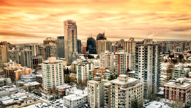 CRA executes search warrants on Vancouver properties in tax evasion case