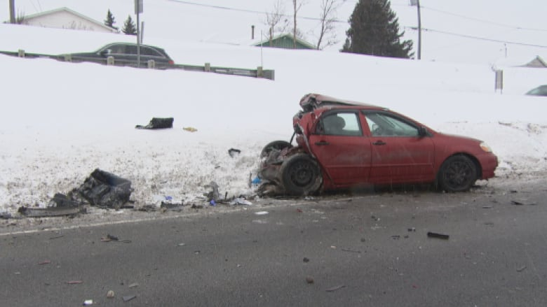 Man killed in Highway 50 crash in Gatineau   CBC News