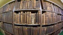 FRANCE-BOOKS/