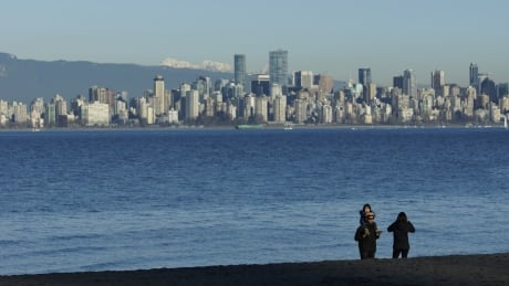 Vancouver tourism numbers take off but wages still grounded, union says