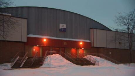 Ammonia leak shuts Gatineau's Guertin arena