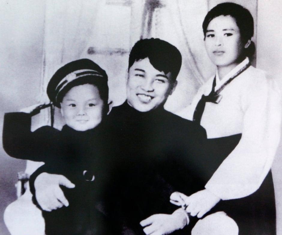 Kim Il-sung first wife Kim Jong-suk and son Kim Jong-il