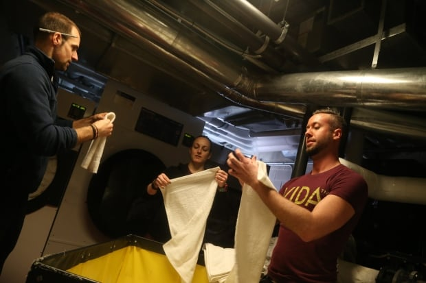 vida fold towels