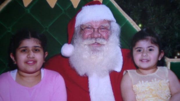 Gill-Family-Santa-Clause