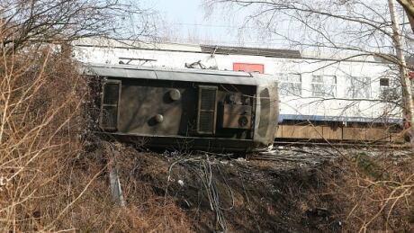 Passenger train derailment near Brussels kills 1, injures 20